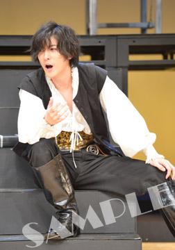 Hamlet_stage-yellow